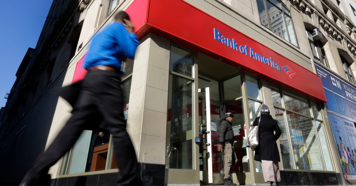 Ever heard of a 'bank jugger'? They may be stalking your bank trips this holiday season