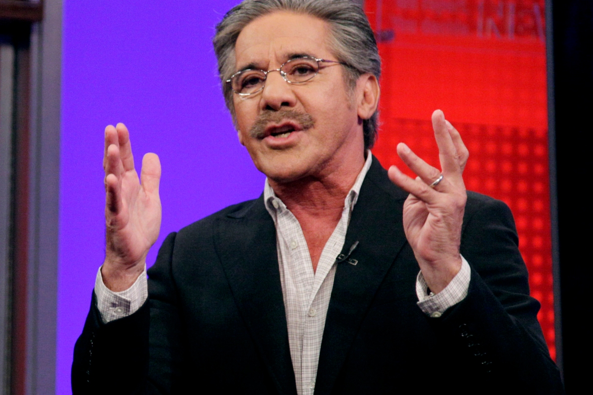 """Geraldo Rivera says he loves Trump like a """"brother,"""" but he thinks he needs to apologize"""