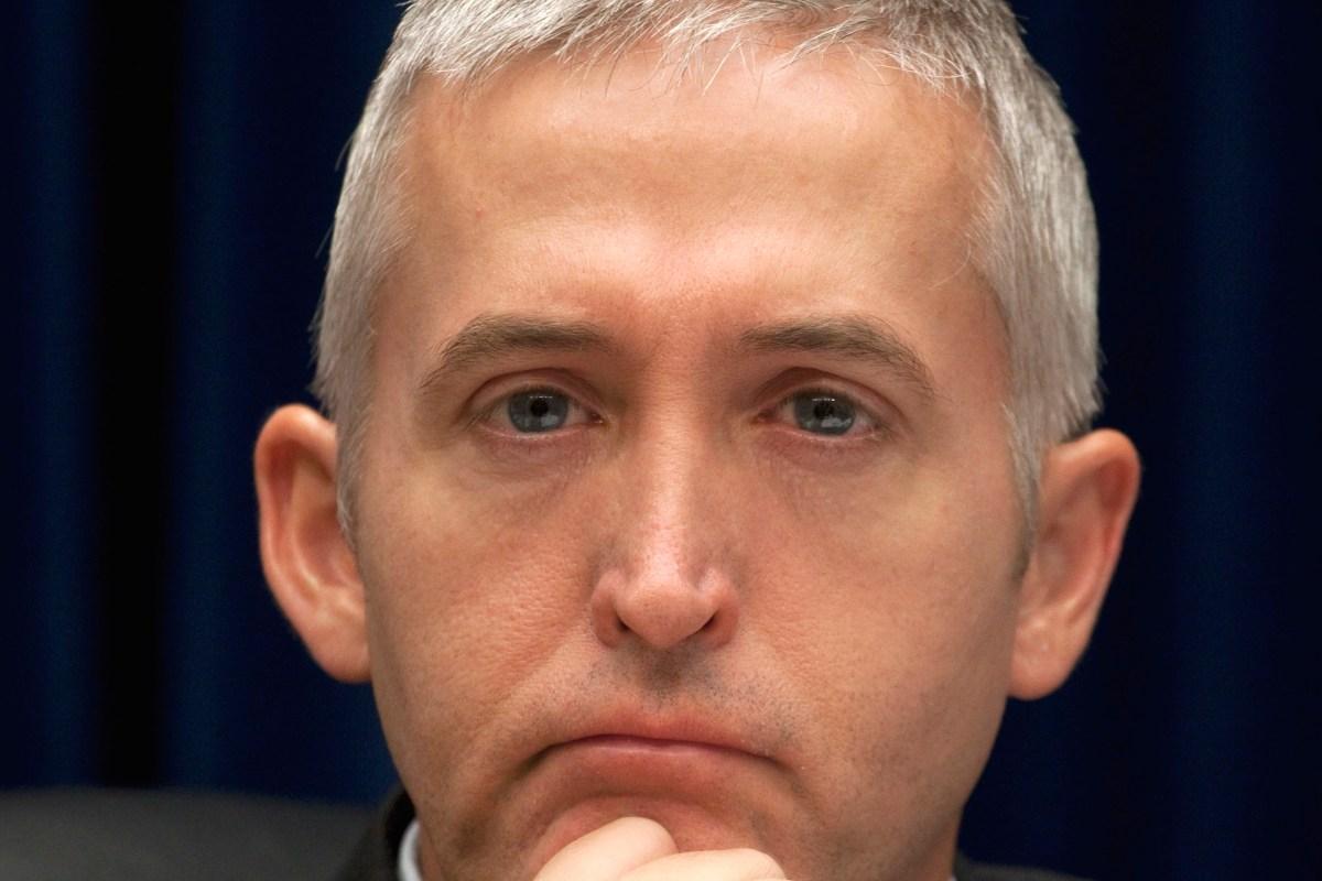 "Top Republican says he's still ""100 percent"" confident in special counsel Mueller despite controversial memo"