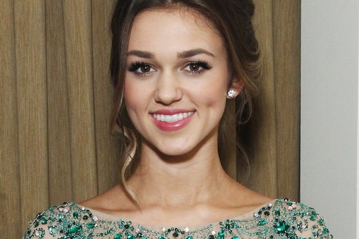 """Duck Dynasty"" star Sadie Robertson reveals her past secret battle with an eating disorder"