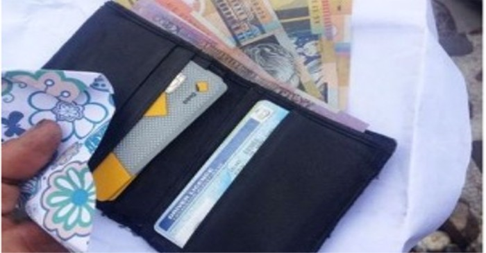 10 things you should never carry in your wallet
