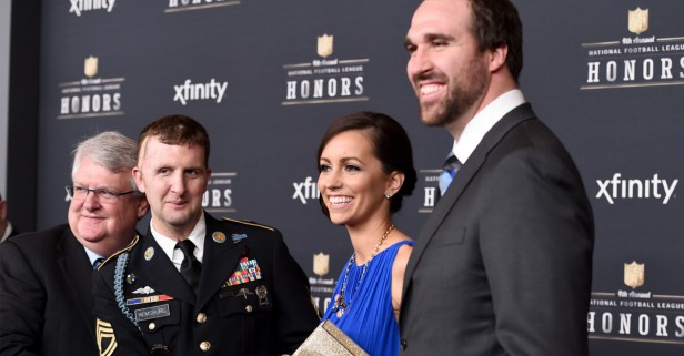 Jared Allen receives USAA's Salute to Service award