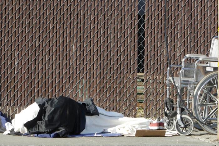 Houston man sues city over homeless feeding ordinance