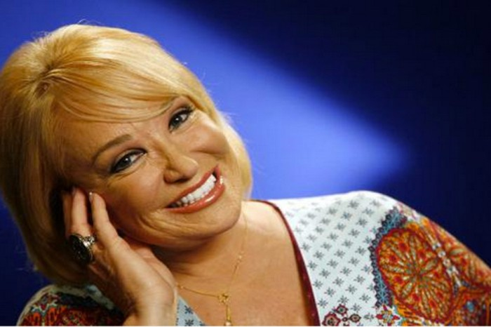 Tanya Tucker needs your prayers as she battles for her health