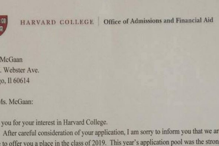 "Harvard applicant ""drops mic"" in most epic rejection letter of all time"