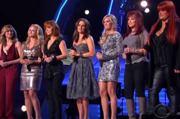 "Flashback: The Female All-Star Country Lineup Sings Loretta Lynn's ""Coal Miner's Daughter"""