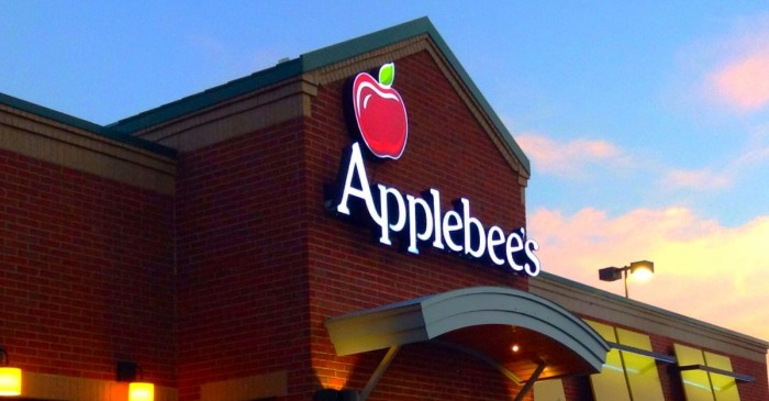 7 ways to save money at Applebee's