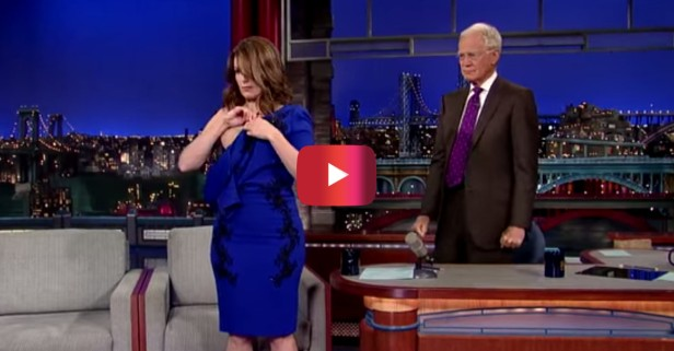 "Tina Fey takes it all off in her final appearance on Letterman's ""Late Show"""