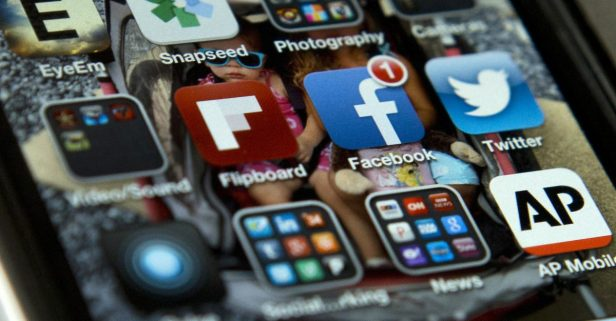 Here are 10 tips to help you unplug from social media