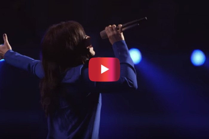 "Kari Jobe brings us into a spirit of worship with her song ""Let The Heavens Open"""