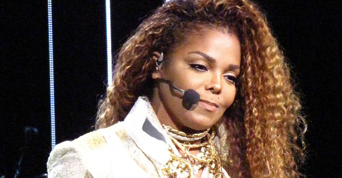 Janet Jackson breaks down in tears at her Houston concert
