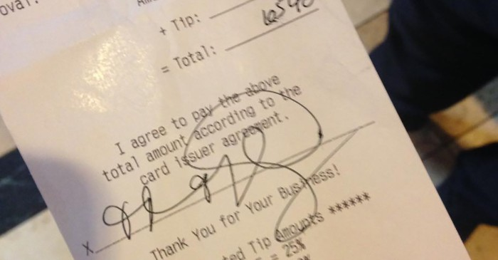 This woman just demonstrated that keeping receipts matters after catching a waitress red-handed