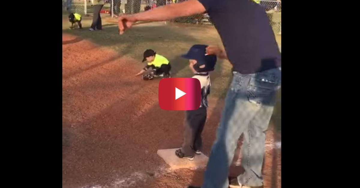Tiny First Baseman Can't Help but Bust a Move in the Middle of the Game