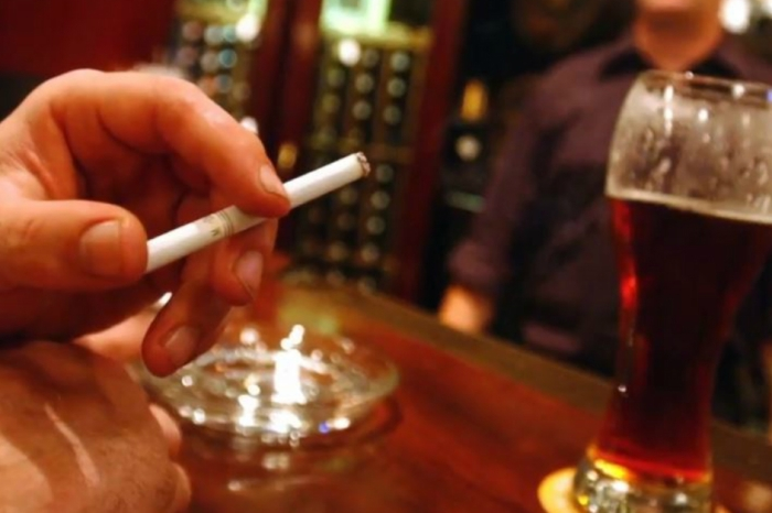 Chicago Suburb considers banning tobacco sales entirely