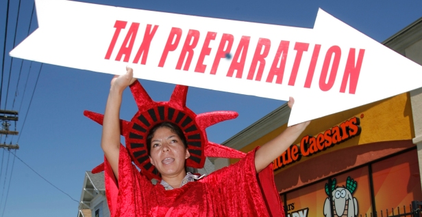 5 reasons to file your tax return early (and 5 reasons to wait)