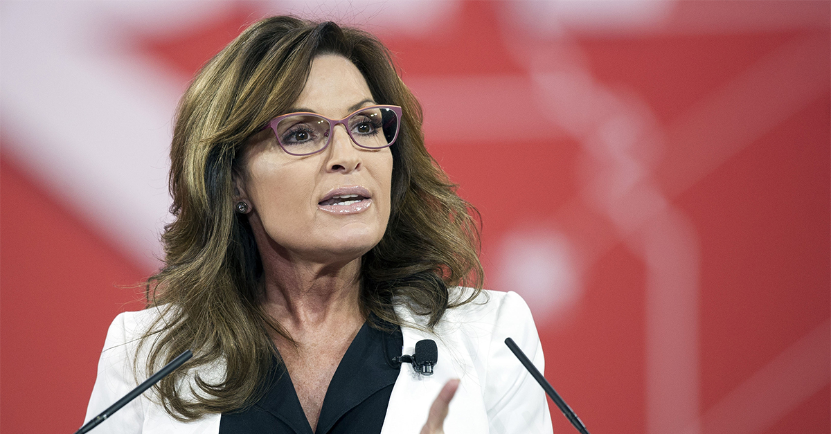 """Sarah Palin thanks Julian Assange for """"exposing the truth re: the Left"""""""