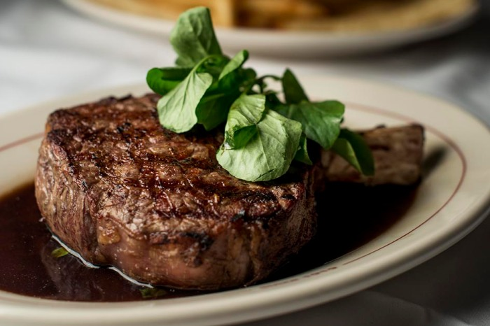 Have you eaten at any of the highest grossing restaurants in Chicago?