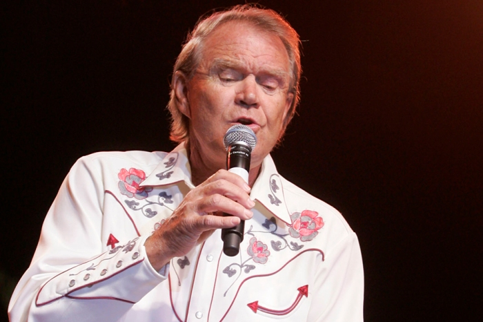 Glen Campbell's family updates fans on the country legend's declining health