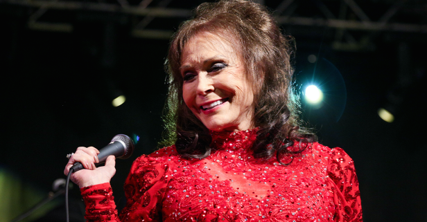 Loretta Lynn is fighting her way back to what she lives for