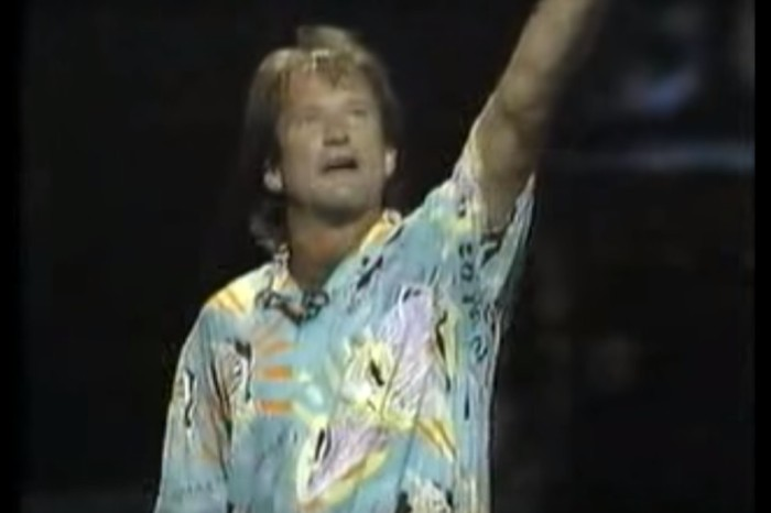 Robin Williams talking about the perils and wonders of cocaine might be the best part of this 1986 performance