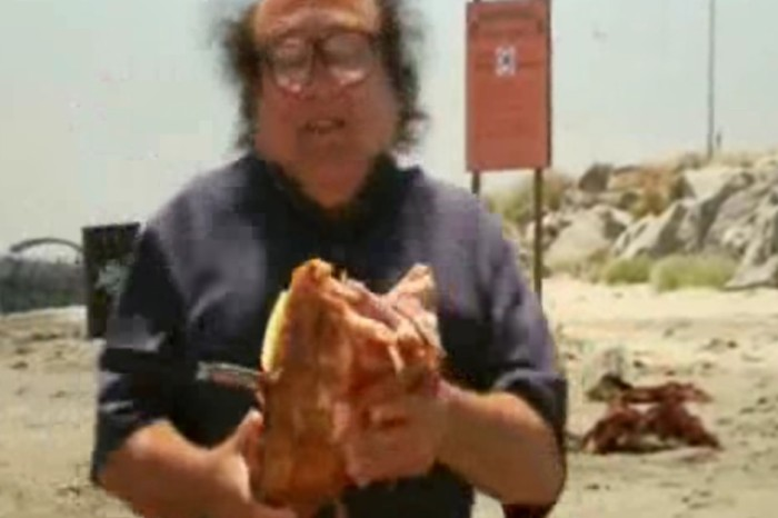 With just two words, Danny DeVito helped make one of the funniest TV moments ever possible