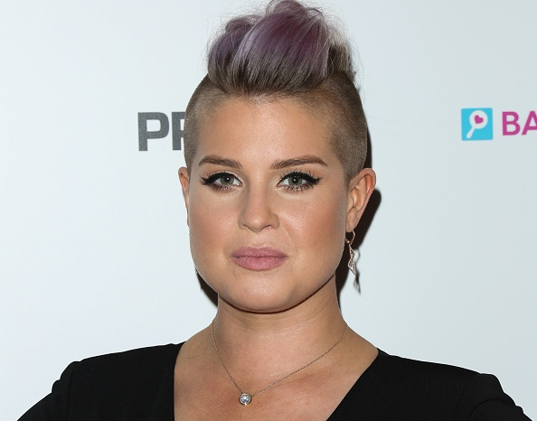 "Kelly Osbourne blasts pretty, young celebs who she claims fake being gay to ""look cool"""
