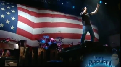 No one ushers in a holiday weekend quite like the patriotic Kid Rock