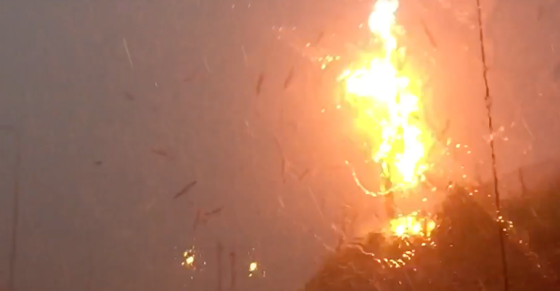 Chicago lightning strike absolutely obliterates telephone pole on this commuter's ride home