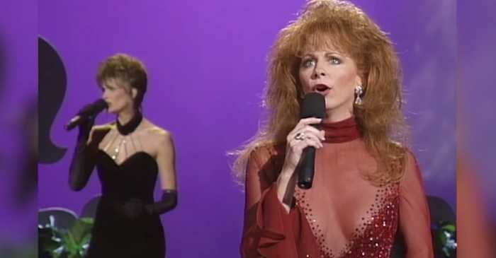 Reba McEntire reflects on her scandal that rocked the CMA Awards