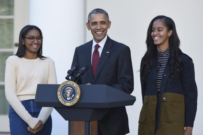 """President Obama couldn't help but tell one last """"dad joke"""" before he leaves office"""