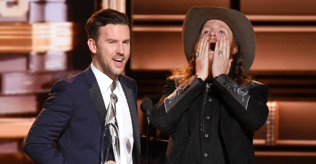 A misunderstanding between two star country acts sparks a firestorm on social media