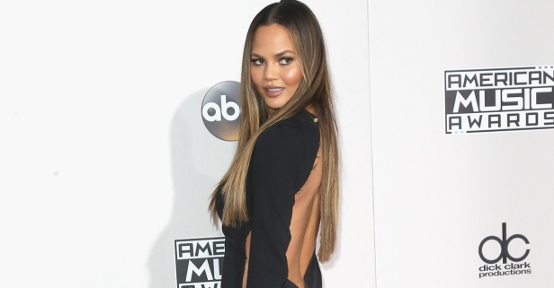 This timelapse video of Chrissy Teigen's hair and makeup routine is both mesmerizing and exhausting