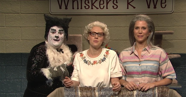 "Kate McKinnon and Kristen Wiig are the craziest cat ladies on ""SNL"""