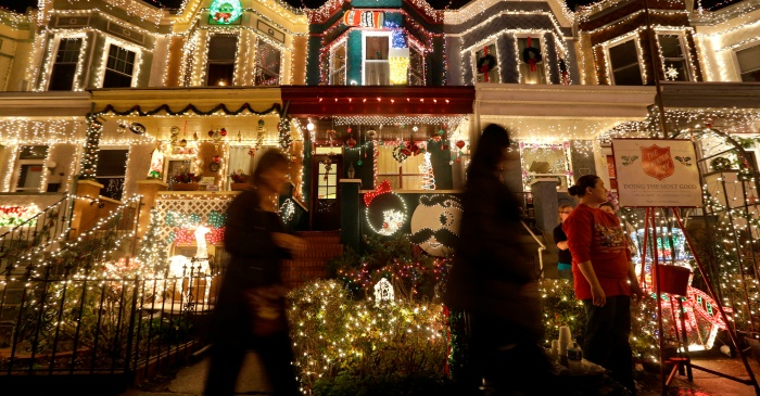 Park Ridge family's holiday light show raised well over $110k for children's cancer research