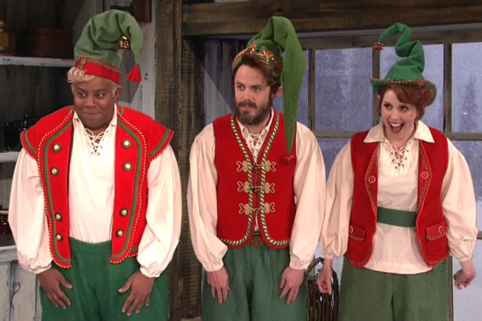 """Casey Affleck plays an elf who just wants to be punished in this """"SNL"""" sketch"""