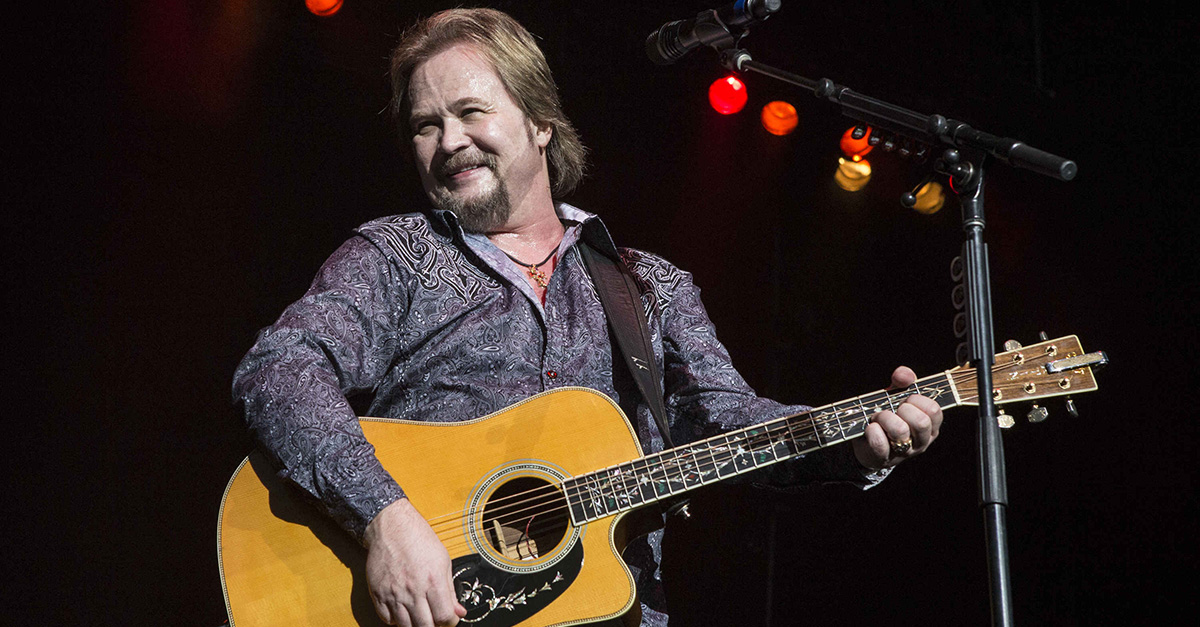 Travis Tritt goes on a Twitter rant about stars' political speeches at the Golden Globe Awards