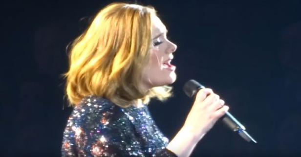 Leave it to Adele to show us how to handle an audio malfunction on stage