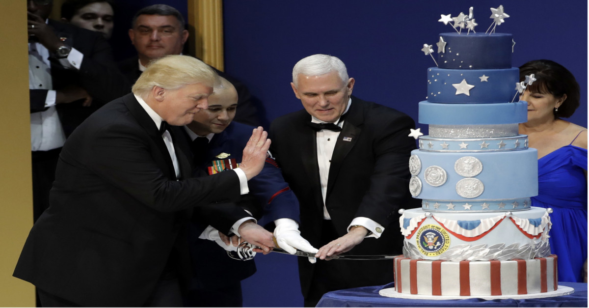 Food Network star says President Trump's inauguration cake was an exact replica of the one he created for Obama's inauguration