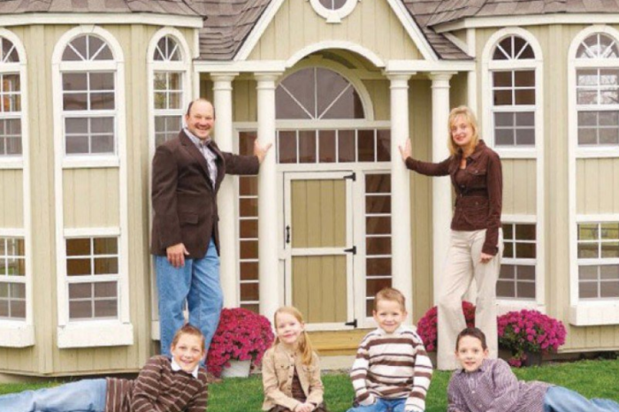 A $11,160 playhouse popped up on Amazon and reviewers couldn't help but ridicule it