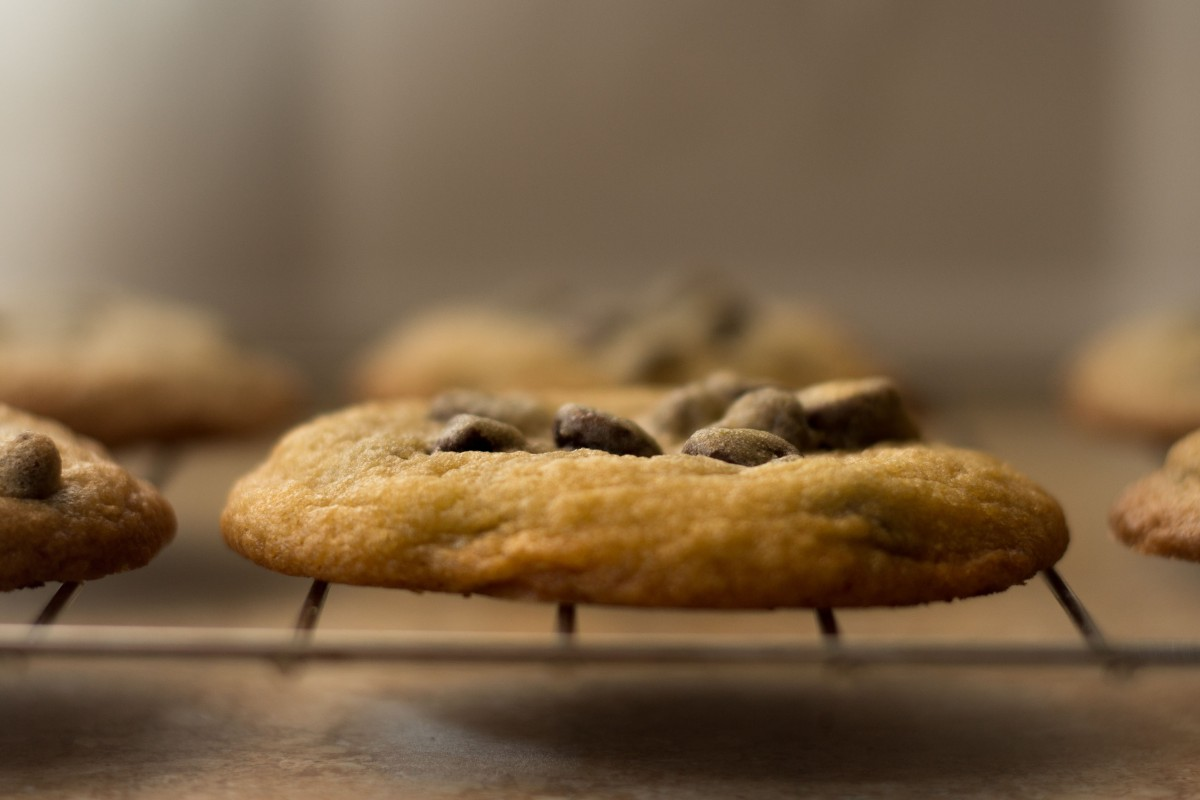 Follow these 5 easy steps to make the perfect chocolate chip cookie