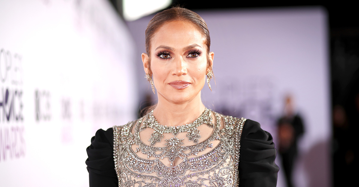An emotional Jennifer Lopez reveals her family's pain after the hurricane in Puerto Rico