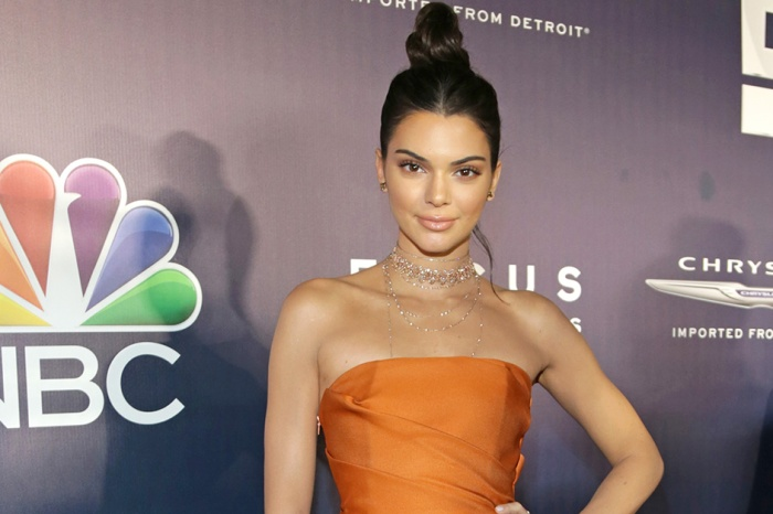 Kendall Jenner fired back after a New York bar claimed she didn't leave a tip