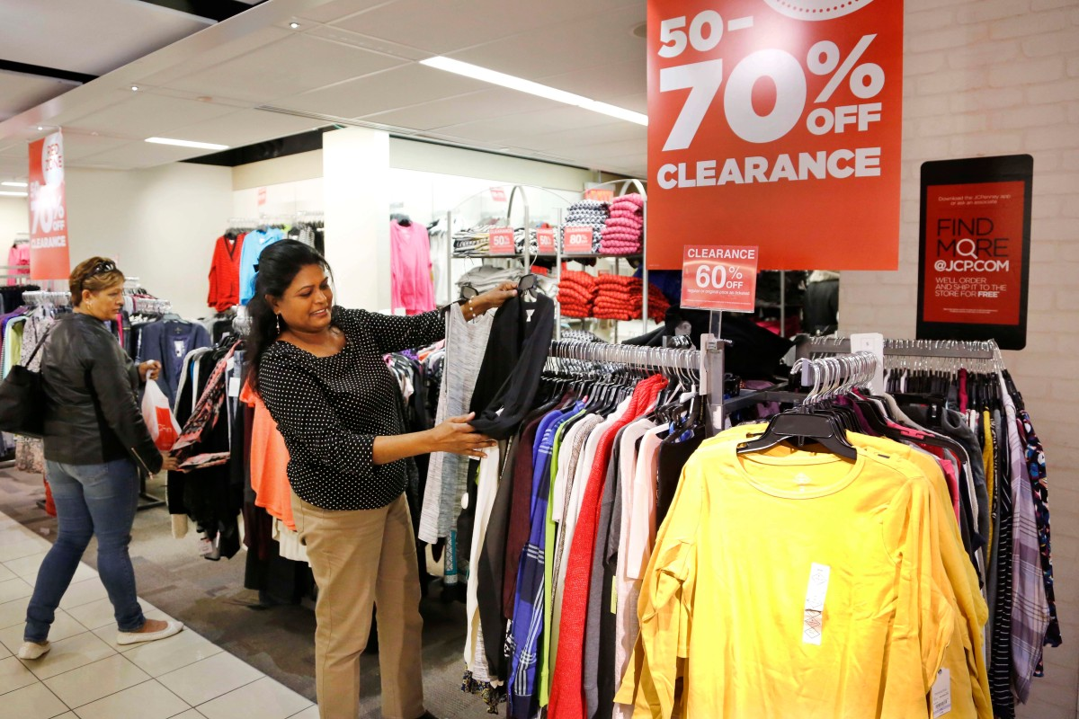On the heels of Macy's and Sears, another major department store announces it will close locations in 2017
