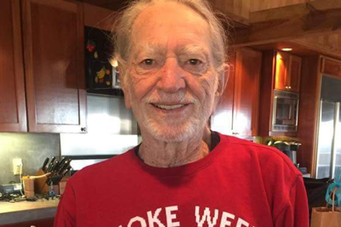 Willie Nelson is alive and well, and he's up to his old tricks