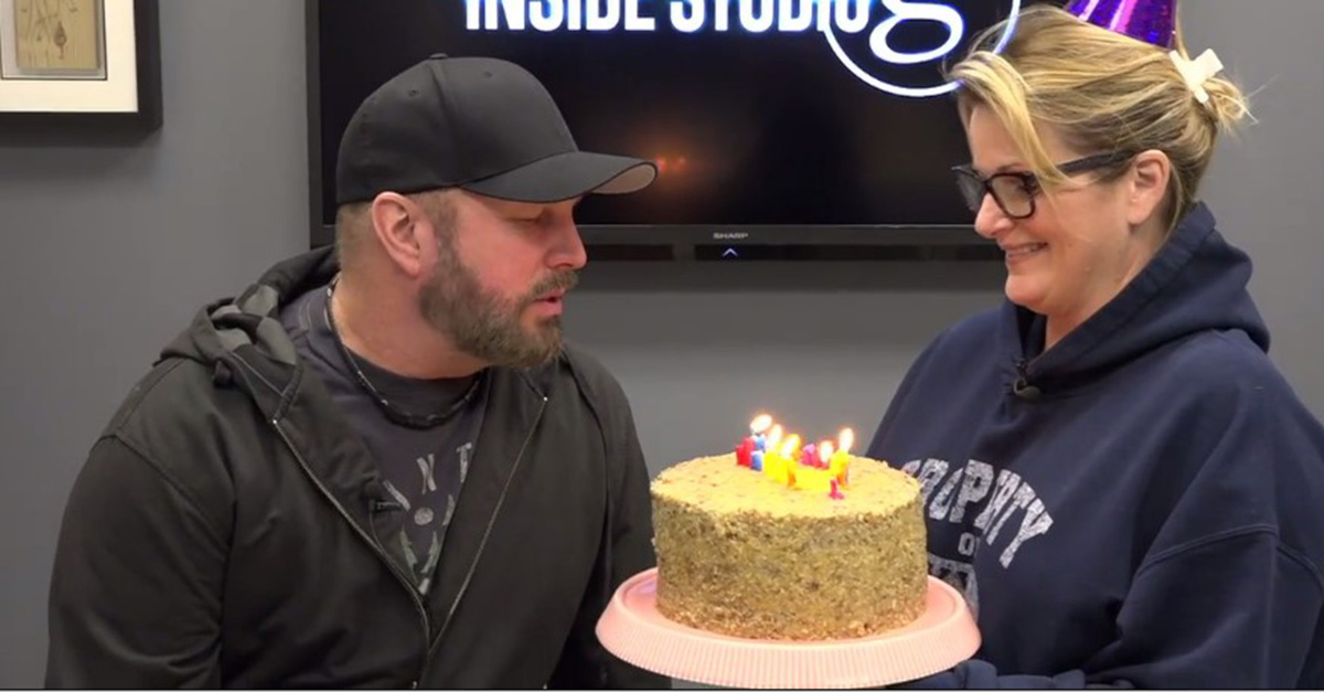 Trisha Yearwood gives Garth Brooks the sweetest birthday surprise