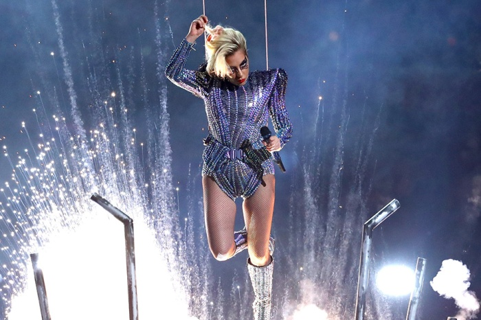 "It turns out that Lady Gaga's epic jump from the roof of the NRG Stadium was just a ""Perfect Illusion"""
