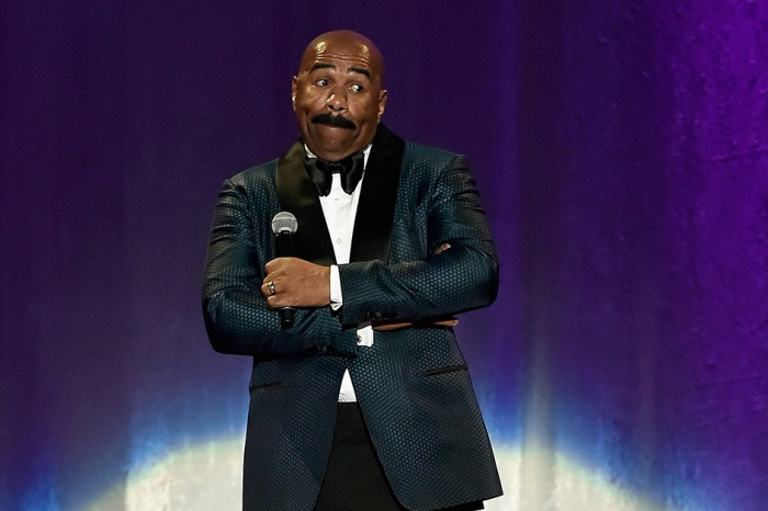 Out of everyone, Steve Harvey had the best reaction to the Best Picture fiasco at the Oscars