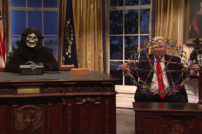 "President Bannon makes his first ""SNL"" appearance and claims his real desk from Trump"