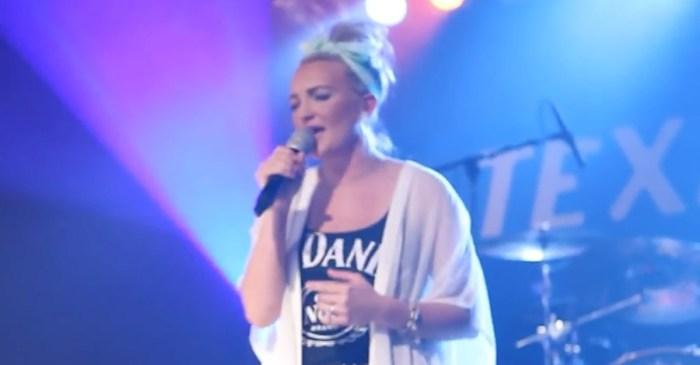 Tears flow as Jamie Lynn Spears sings the song inspired by daughter Maddie