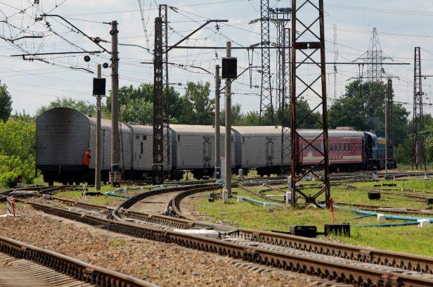 Southeast Houston train derailment causes fun delays